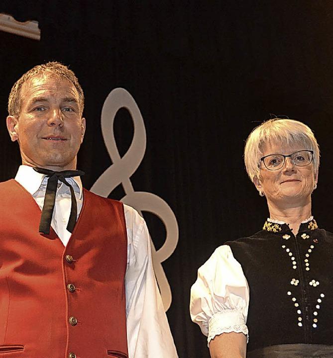 Beim Jahreskonzert der Trachtenakkorde...nn und Maritta Hog vom Verein geehrt.   | Foto: Liane Schilling
