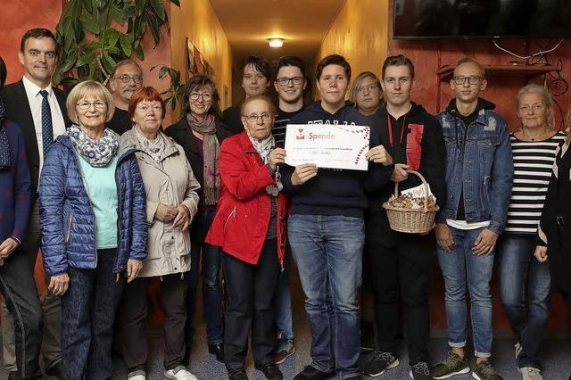 Spende fürs Jugendbüro Friesenheim