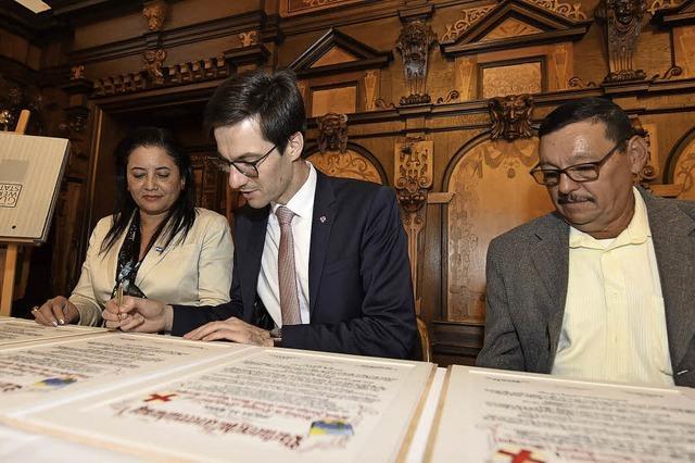 Freiburg und Wiwilí besiegeln ihre Partnerschaft ganz formal