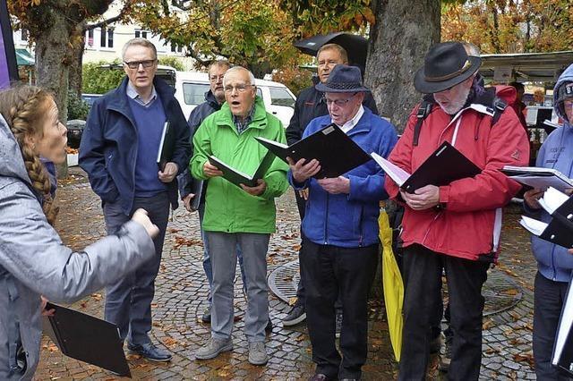 Die Tonart-Männer singen auch im Regen