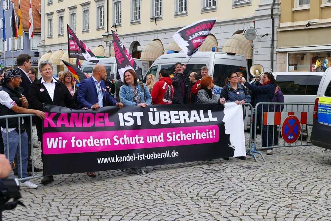 """Die Aktionsgruppe """"Kandel ist üb...11; ruft zur AfD-Demo in Freiburg auf.    Foto: Ralf burgmaier"""
