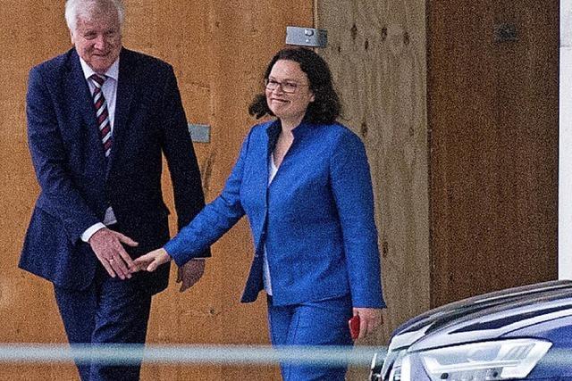 In der CSU wollen viele Seehofers Abgang, Nahles will bleiben