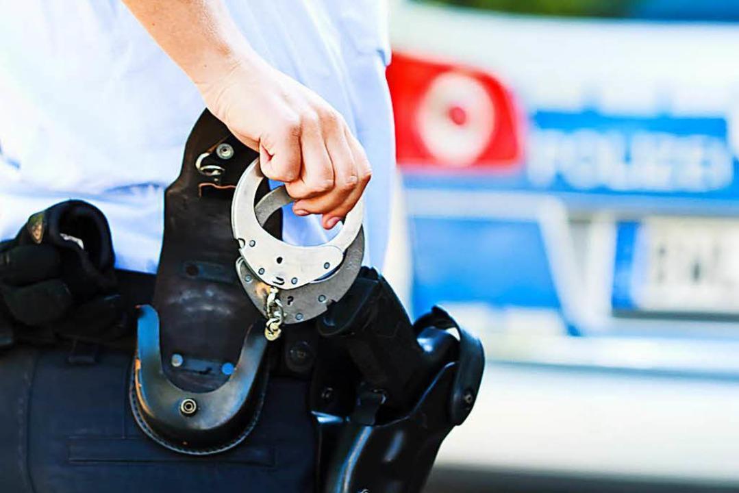 Die Polizei konnte einen mutmaßlichen Sexualstraftäter festnehmen (Symbolbild).  | Foto: Dominic Rock
