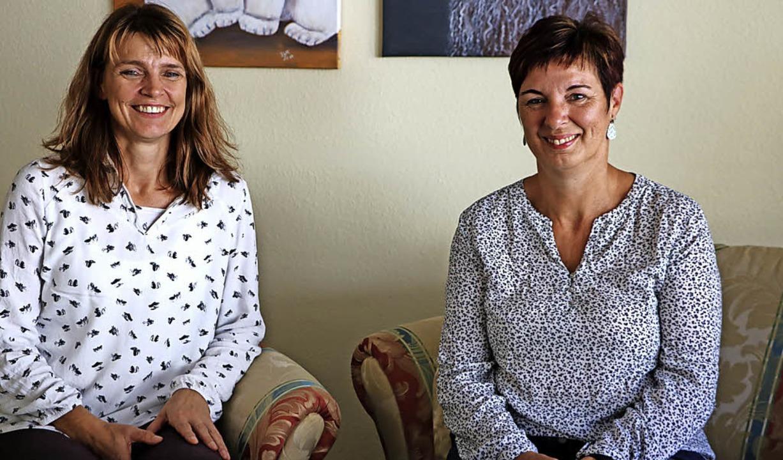 Sabine Isenberg-Reimer (links) und Bia... Massagen und Psychologische Beratung.    Foto: Martha Weishaar