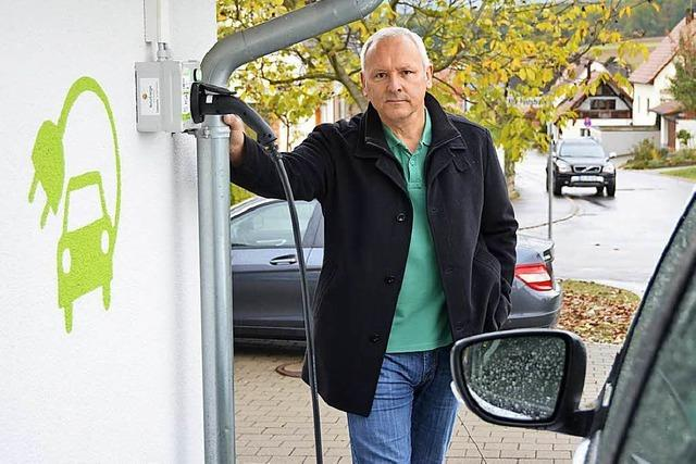 Diese Ladesäule für Elektroautos ist zwar privat, aber jeder darf sie nutzen