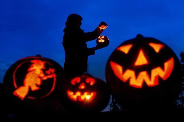 Warum höhlen wir für Halloween Kürbisse aus?
