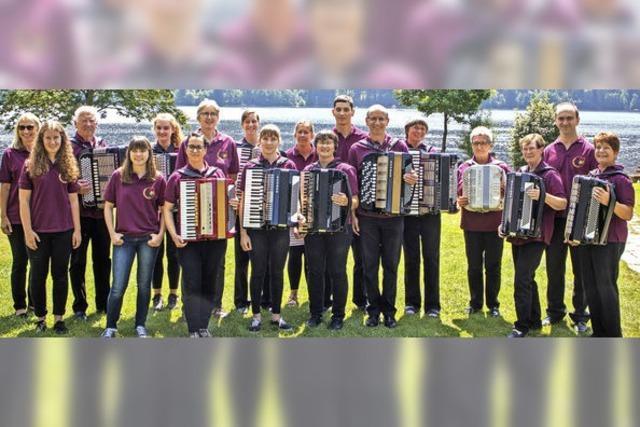 Mit dem Konzertorchester des Akkordeon- und Harmonikaclub in Titisee-Neustadt