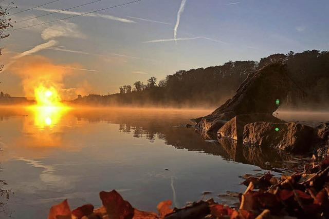 Die Sonne brennt im Rhein