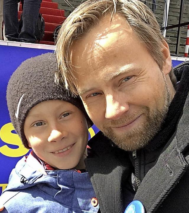 Mit-Initiator Moritz Pohle mit seinem Sohn.  | Foto:  privat
