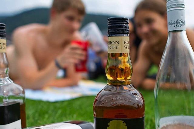 Zwei Jugendliche wollten in Schopfheim eine Flasche Whisky klauen und flogen auf