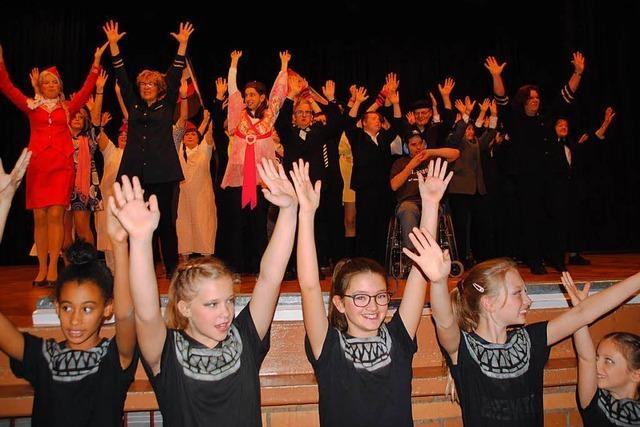 Jahresfeier des Turnvereins Weil: Bunte Show mit Sport, Tanz und Witz