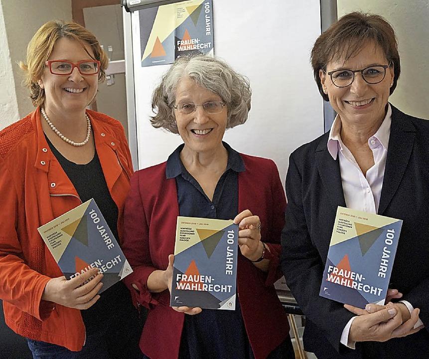 Offenburgs Kulturchefin Carmen Lötsch,...egina Geppert, und OB Edith Schreiner.  | Foto: Chr. STorck
