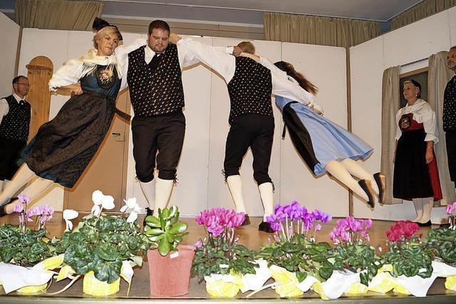 Und auf einmal fliegen die Tänzerinnen