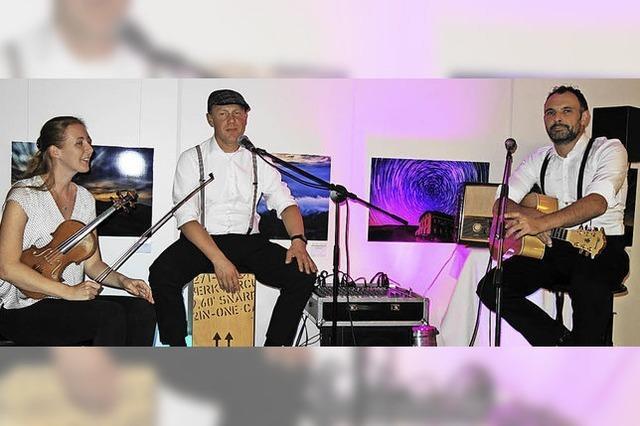 Trio mit musikalischem Füllhorn