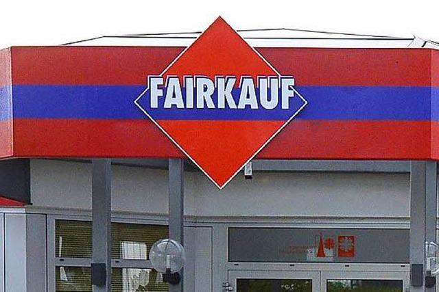 Polizei ermittelt wegen Brandstiftung bei Fairkauf in Freiburg
