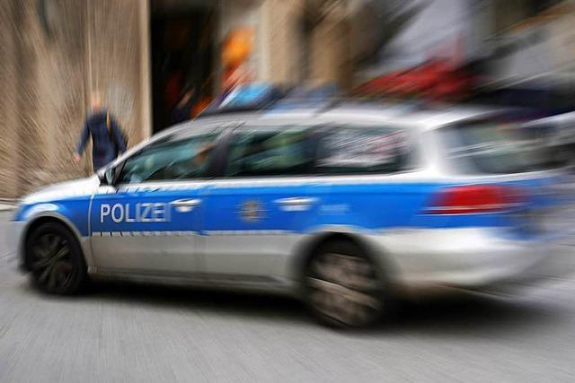 Polizei findet gestohlenes Auto beschädigt im Schrebergarten in Bad Säckingen