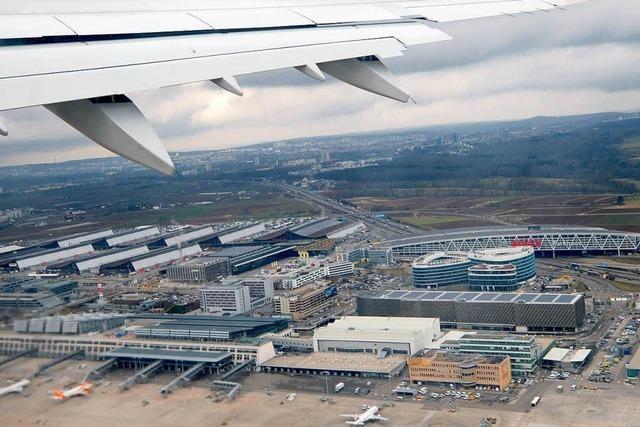Kontrolle im Terminal 1 des Stuttgarter Flughafens wohl bis Mittag gesperrt