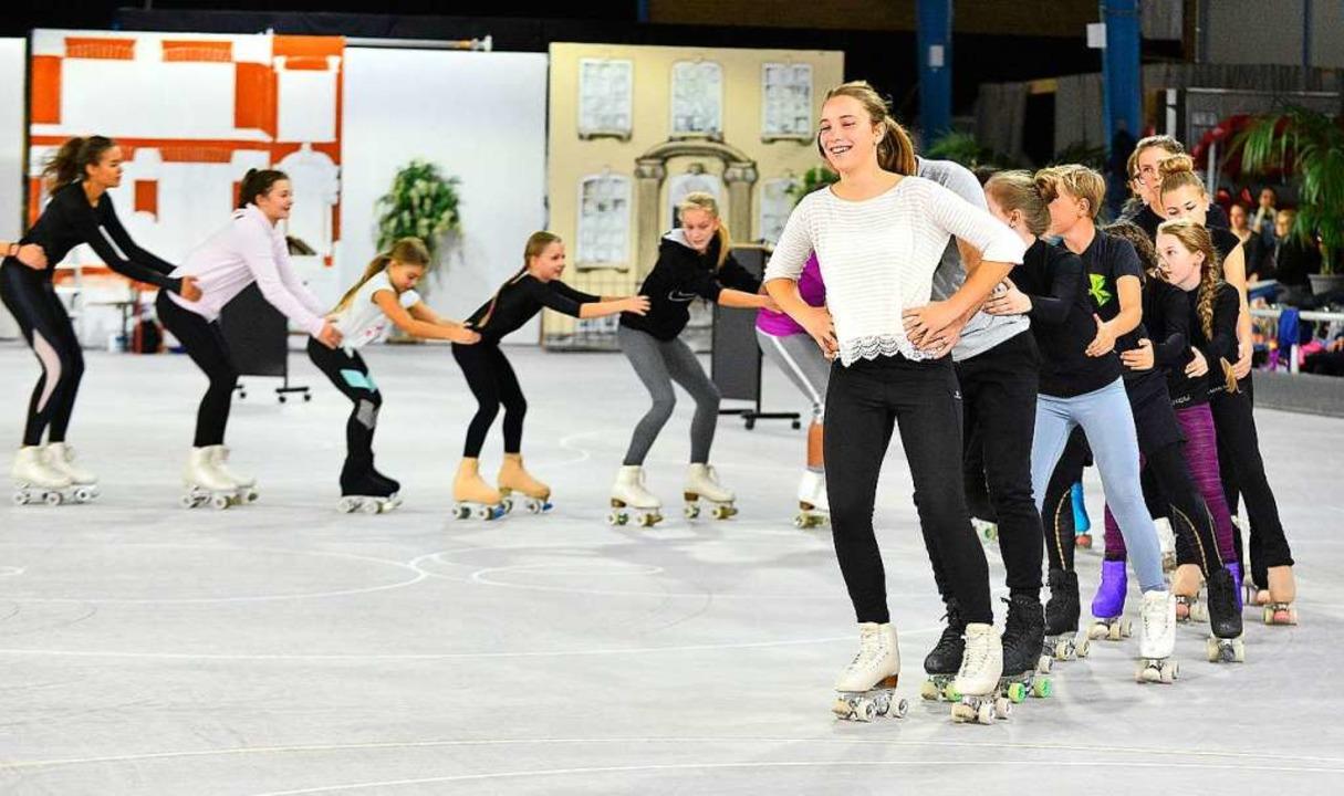 Jede Choreografie  wird mehrmals geprobt, bis es rund läuft.   | Foto: Michael Bamberger