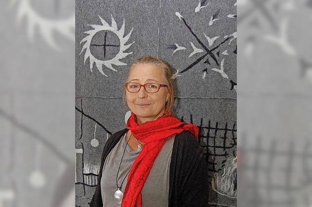 Cornelia Pfaff stellt gefilzte Bilder aus Schafwolle und Seide im Kurhaus Freiamt aus