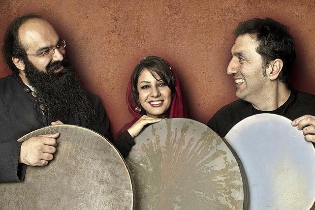 Word-Musik mit orientalischem Touch. Drei Percussionisten, bekannt vom Festival Tambouri Mundi treten in Freiburg auf