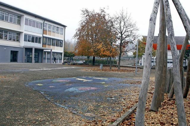Der Schulhof wird schöner