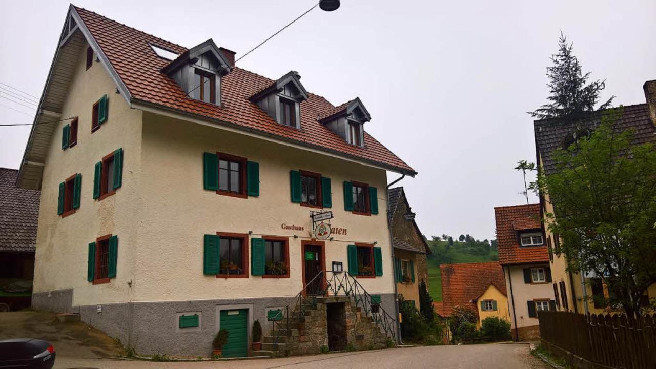 Der Landgasthof Maien in Vogelbach kur... der Schließung im Mai dieses  Jahres.  | Foto: Rolf-Dieter Kanmacher
