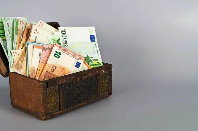 Freiburgs Stadträte sollen 300 Euro mehr pro Monat bekommen