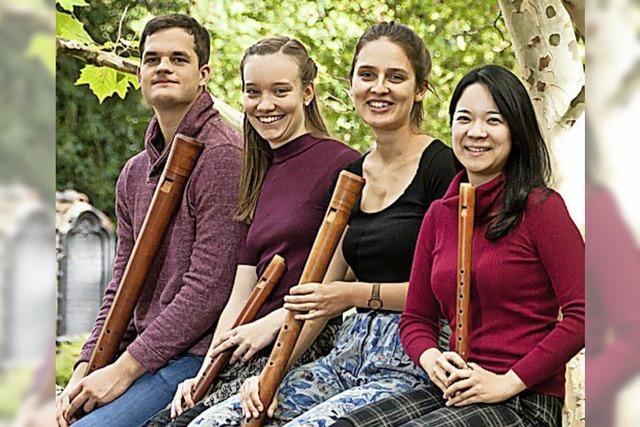 Das Freiburger Blockflöten-Consort ensemble feuervogel spielt in Freiburg-Ebnet