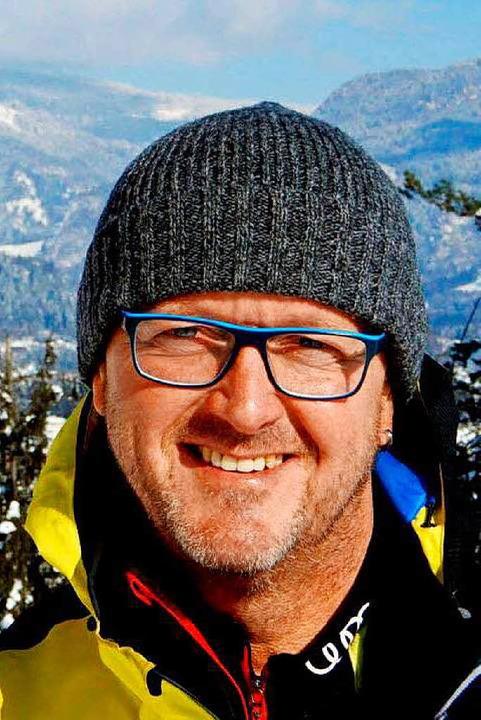 Rolf Schilli im Arbeits-Outfit: Mütze ...lagener Kragen sind im Winter Pflicht.    Foto: bz