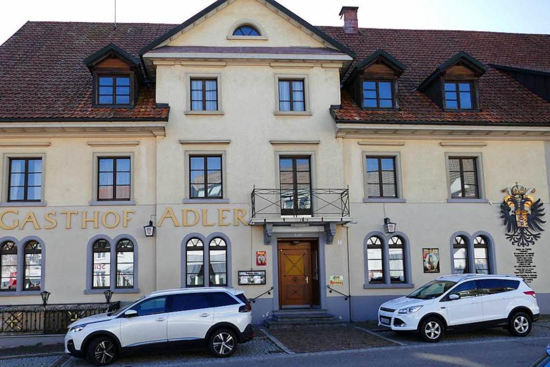 Der Gasthof Adler in Görwihl soll nach der Sanierung  wieder geöffnet werden.   | Foto: Martin Köpfer
