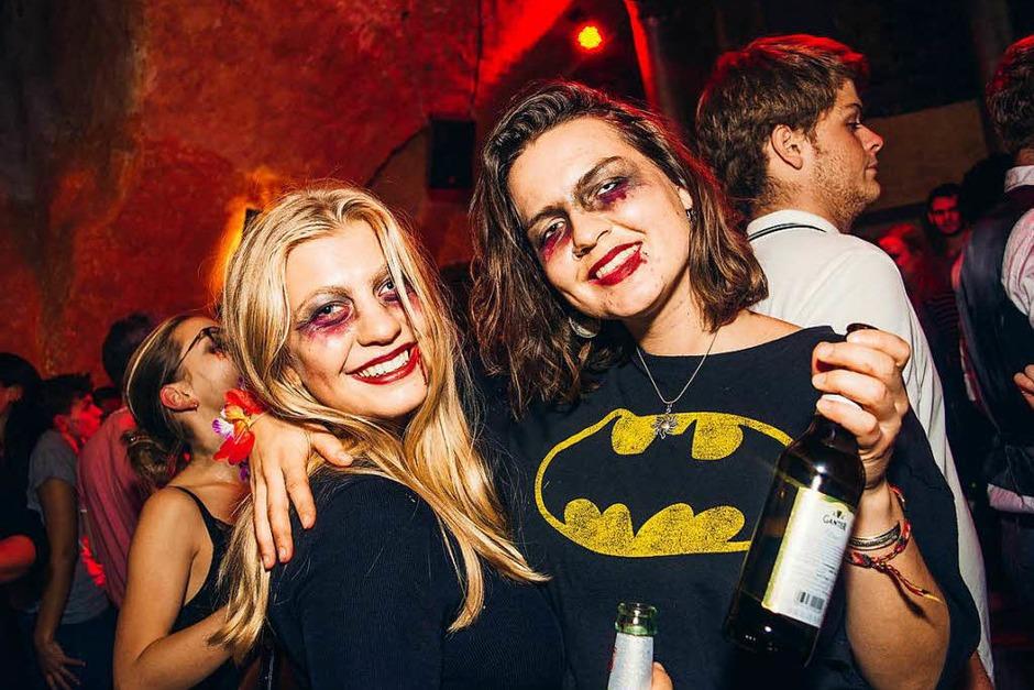 DJ Rusty sorgte bei der Halloween-Party in der Freiburger Harmonie mit Songs von den 80ern bis 2000ern und aktueller Chart-Hits für Tanzstimmung. (Foto: Sarah Mall)