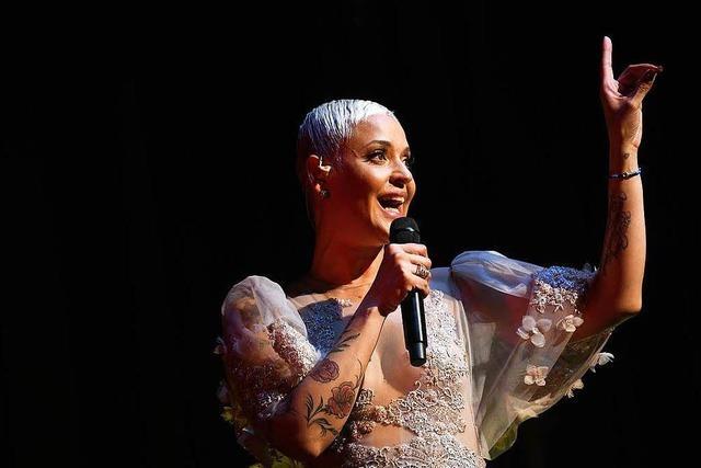 Fado-Sängerin Mariza beeindruckte das Publikum im Lörracher Burghof