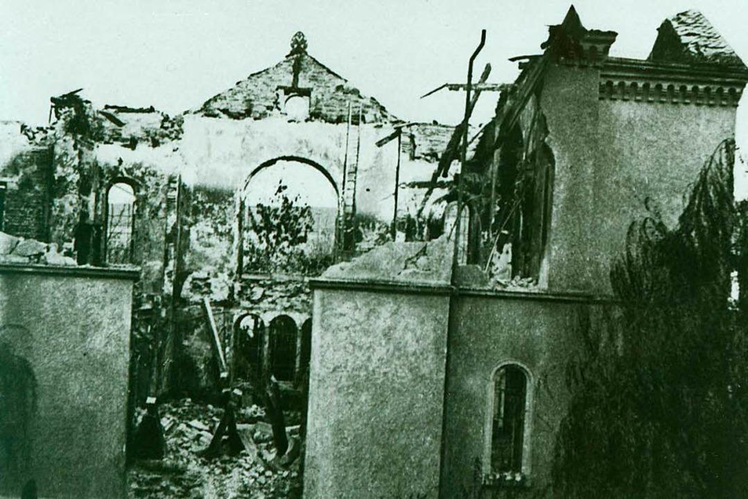 Die zerstörte Freiburger Synagoge 1938...von einem Fenster der Universität aus.  | Foto: Stadtarchiv