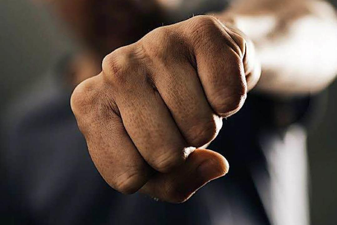 Mit mehreren Faustschlägen ins Gesicht wurde ein 36-Jährige traktiert.  | Foto: Nito (Fotolia.com)