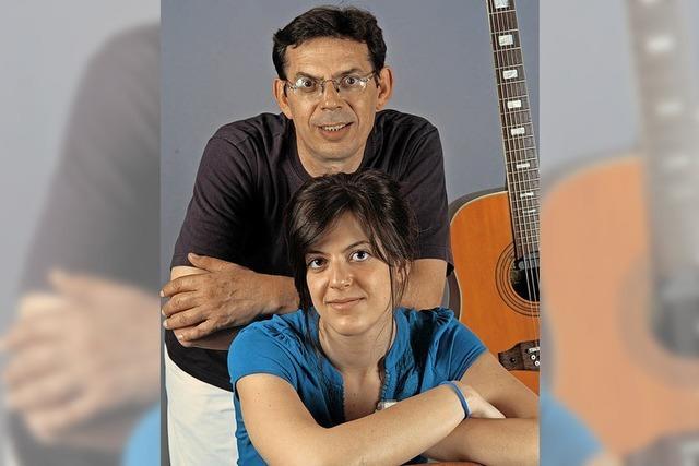 Sofia und Pantelis Tzovenos präsentieren am Samstag, 10. November, einen griechischen Liederabend im Ali-Theater in Tiengen.