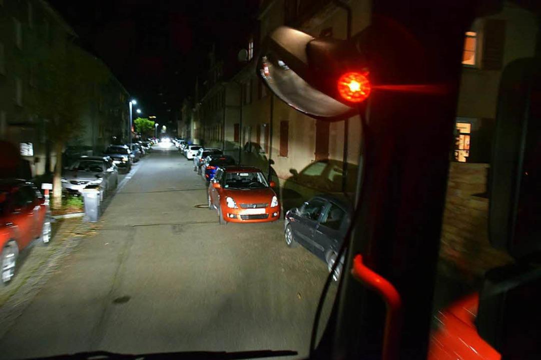 Aus der Fahrerkabine des Feuerwehrauto...traßen plötzlich wesentlich enger aus.  | Foto: Stefan Ammann