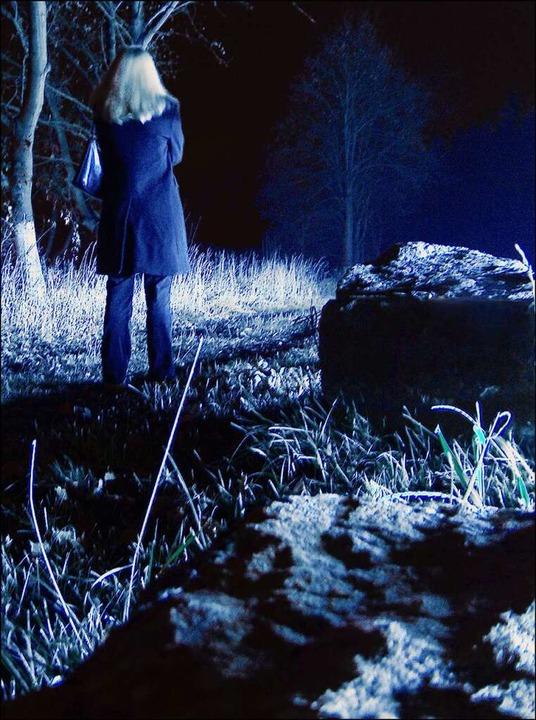 Nachts alleine unterwegs zu sein – davor warnen oft Präventionsprogramme.  | Foto: Jens Hilberger  (stock.adobe.com)
