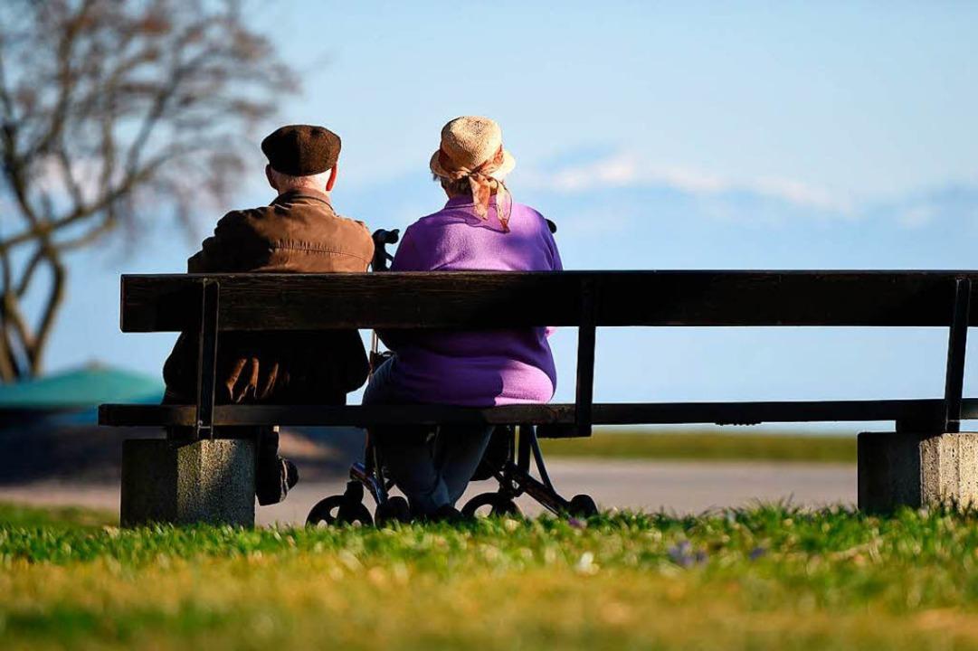 Die Beschlüsse der Bundesregierung ver...fen heutigen Rentnern gute Aussichten.  | Foto: dpa