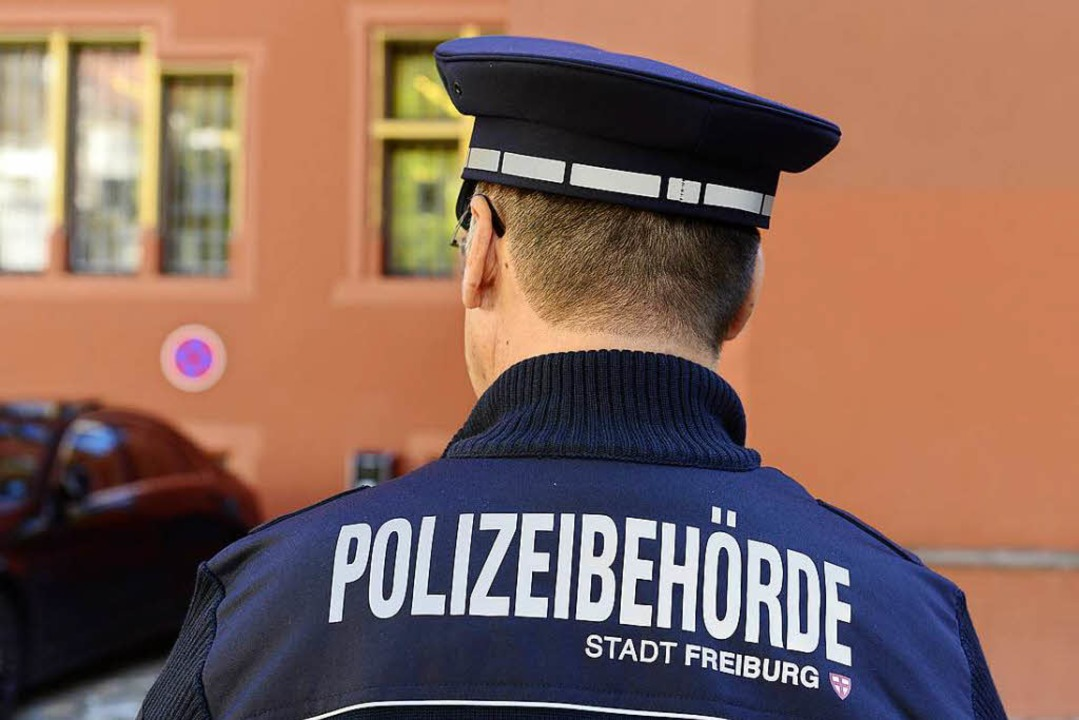Ein Mitarbeiter des Vollzugsdienstes: Die CDU möchte das Personal verdoppeln.  | Foto: Ingo Schneider