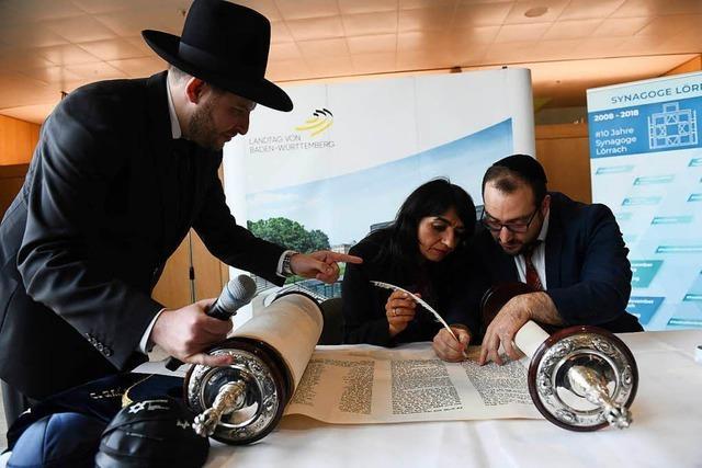 Die neue Thora der Israelitischen Kultusgemeinde Lörrach ist vollendet