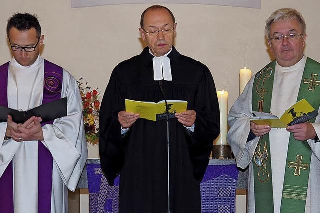 Christen gedenken der Opfer der Pogromnacht