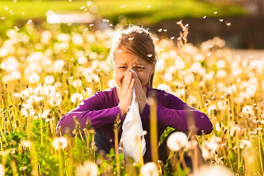 Wenn die Nase läuft und läuft ist das ...rgie – und eben kein Schnupfen.   | Foto: adobe.com