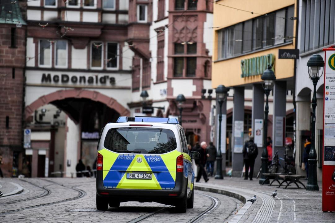 Die Grünen wollen das Land sicherer ma...ers als der Innenminister von der CDU.    Foto: dpa