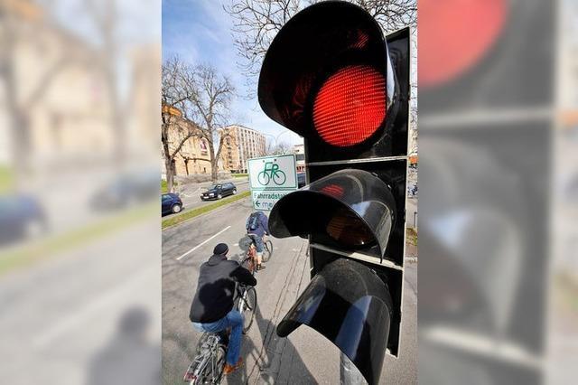 Fußgängerin auf Überweg angefahren und schwer verletzt