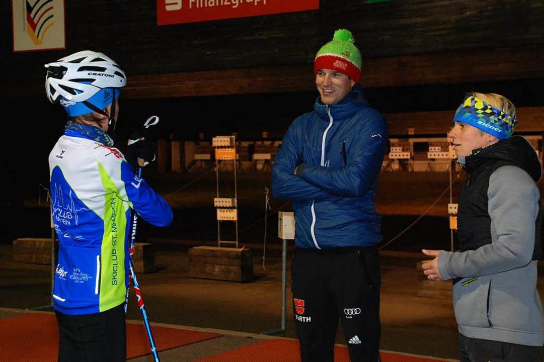 Ina Metzner (rechts) und ihr Trainerko...im abendlichen Training am Notschrei.     Foto: Jürgen ruoff