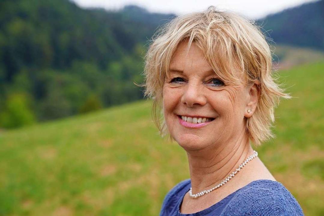 Eva Gehring           leitet die Konfl...arbeiter und Mitarbeiterinnen umfasst.  | Foto: Privat