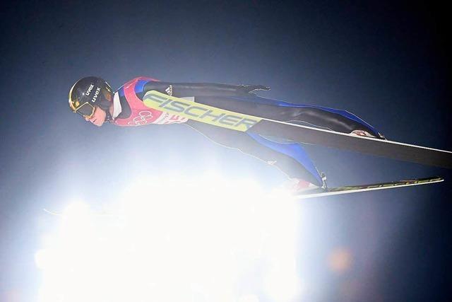 Furchtlos in die Tiefe: Schwarzwälder Skispringer starten im Weltcup