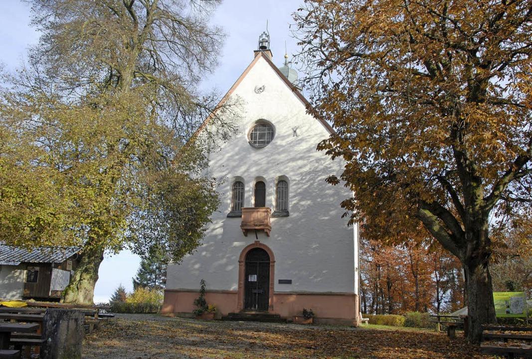 Die Katharinenkapelle auf dem Endinger...r Tradition das Patrozinium gefeiert.     Foto: Archivfoto: Roland Vitt