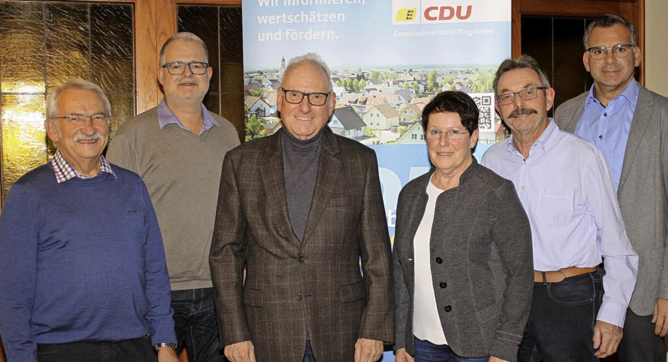 Der neu gewählte Vorstand des CDU-Orts...ld ist wegen Krankheit Katja Schleier)  | Foto: Adelbert Mutz