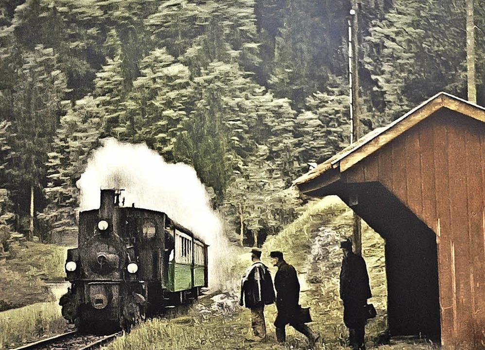 Rudolf Tscheulin hat alte Fotografien ...odtnauerli und von Zell nachkoloriert.  | Foto: Nicolai Kapitz